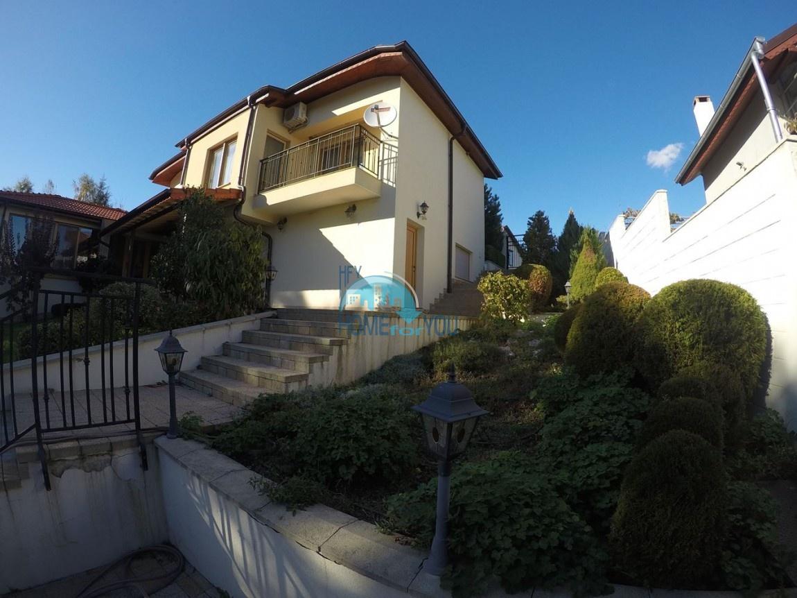 Потрясающий двухэтажный дом с облагороженной территорией, Бургас, с. Крушевец