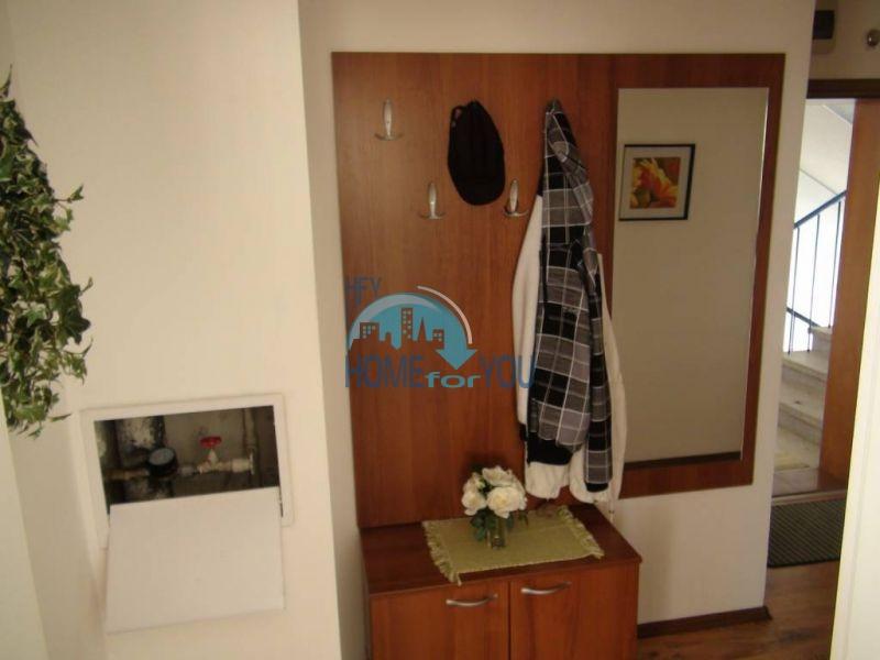 Прекрасная трехкомнатная квартира в комплексе в Сарафово 6