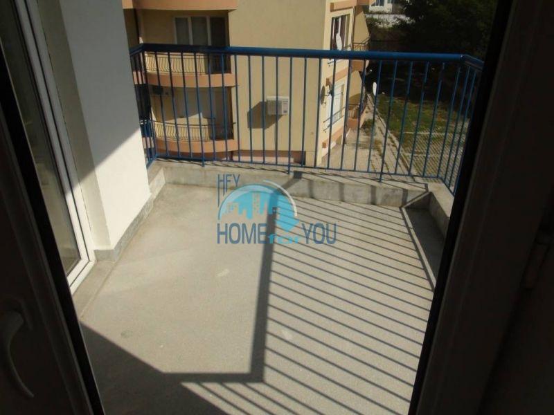 Прекрасная трехкомнатная квартира в комплексе в Сарафово 12