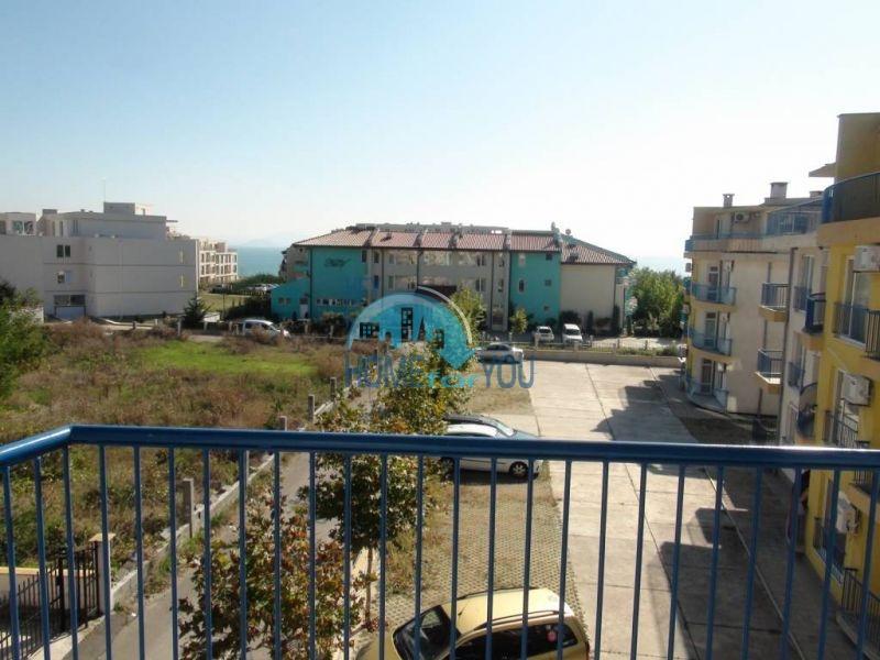 Прекрасная трехкомнатная квартира в комплексе в Сарафово 14