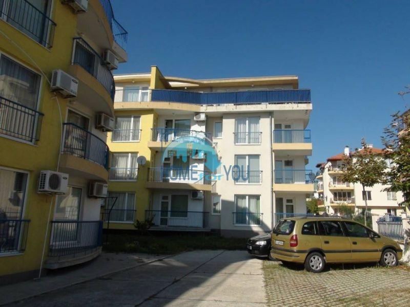 Прекрасная трехкомнатная квартира в комплексе в Сарафово 17