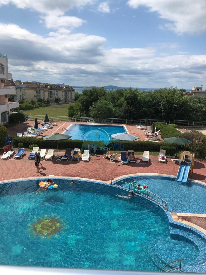 Просторная двухкомнатная квартира с видом на море в комплексе Сарафово Резиденс, Бургас
