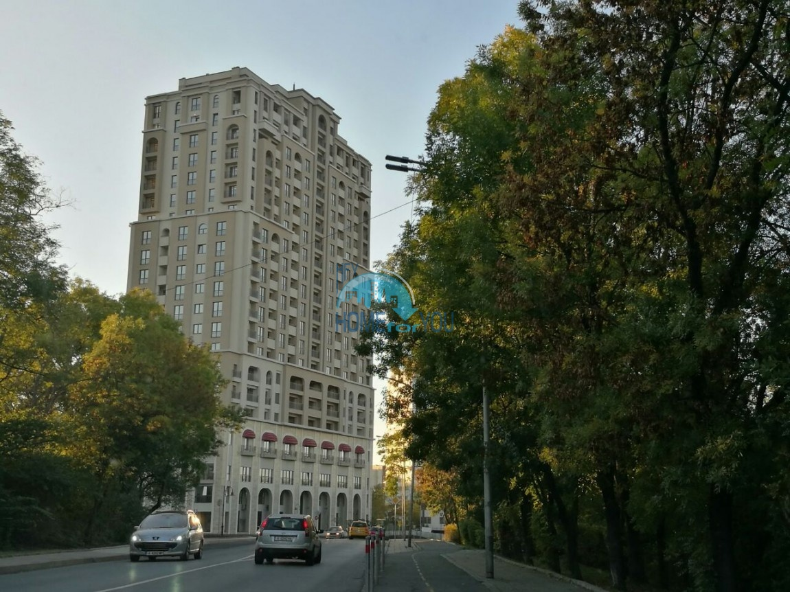 Трехкомнатная квартира в комплексе класса люкс Лазурный берег в г. Бургас