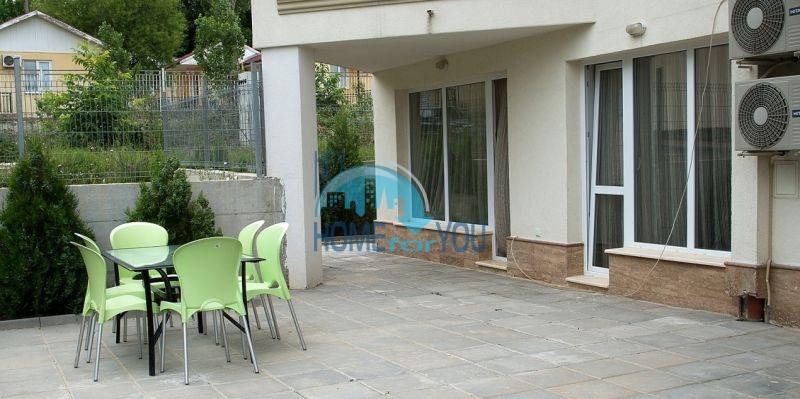Меблированная просторная квартира на продажу в курорте Бяла 12
