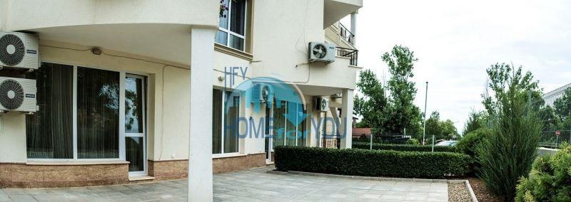 Меблированная просторная квартира на продажу в курорте Бяла 13