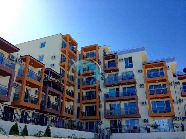 Новая трехкомнатная квартира в курортном городке Бяла