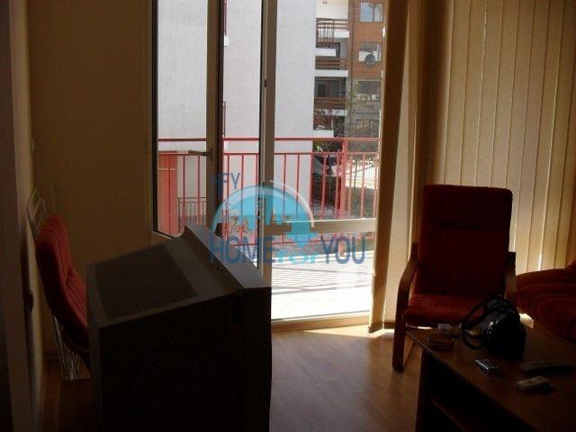 Двухкомнатная квартира на первой линии моря в курорте Елените 9