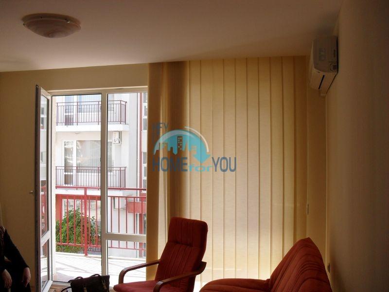 Двухкомнатная квартира на первой линии моря в курорте Елените 10