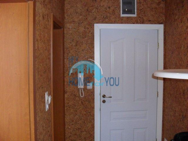 Двухкомнатная квартира на первой линии моря в курорте Елените 18