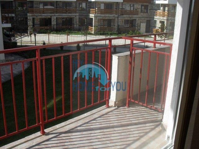 Двухкомнатная квартира на первой линии моря в курорте Елените 25