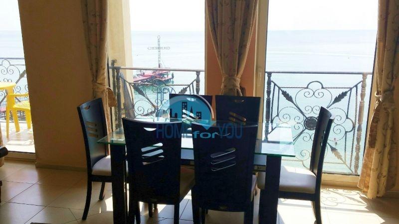 Двухкомнатная квартира с видом на море 5