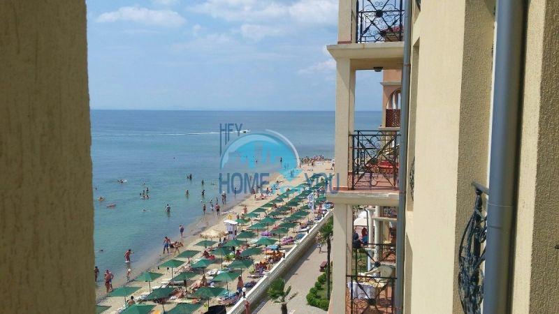 Двухкомнатная квартира с видом на море 8