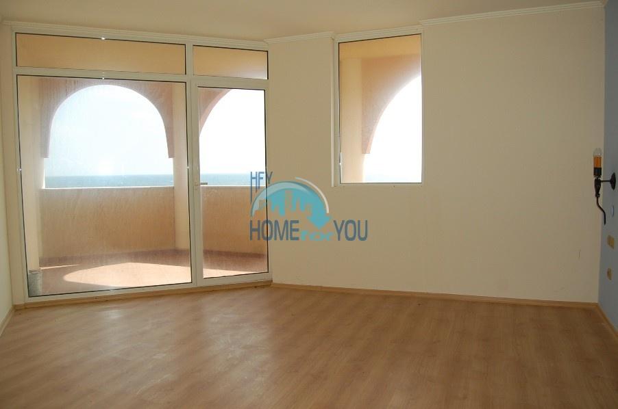 Двухкомнатная квартира в Елените с фантастическим видом на море 13