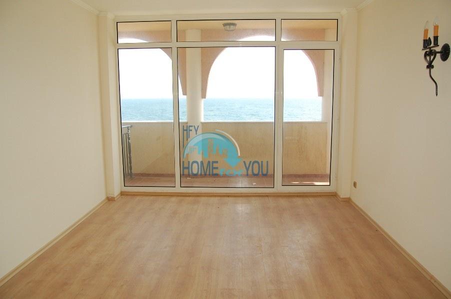 Двухкомнатная квартира в Елените с фантастическим видом на море 12