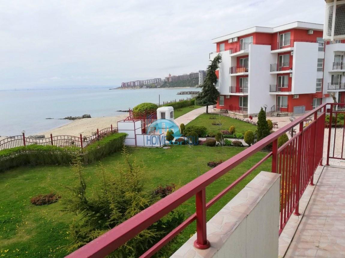 Отличная двухкомнатная квартира с панорамным видом на море в комплексе Привилидж, Елените