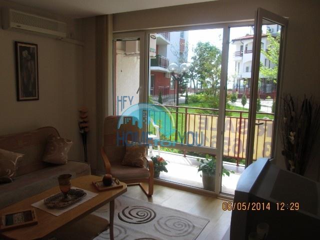 Отличная двухкомнатная квартира с видом на море, в комплексе Привилидж, Елените