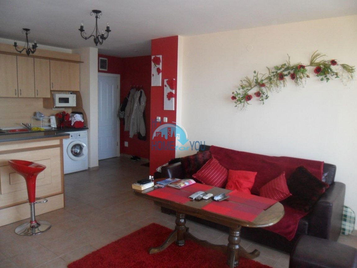 Стильная двухкомнатная квартира в комплексе Привилидж, Елените