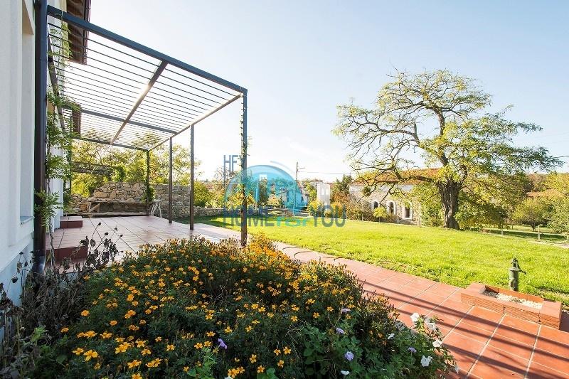 Продается отличный двухэтажный дом на южном побережье - село Велика 5