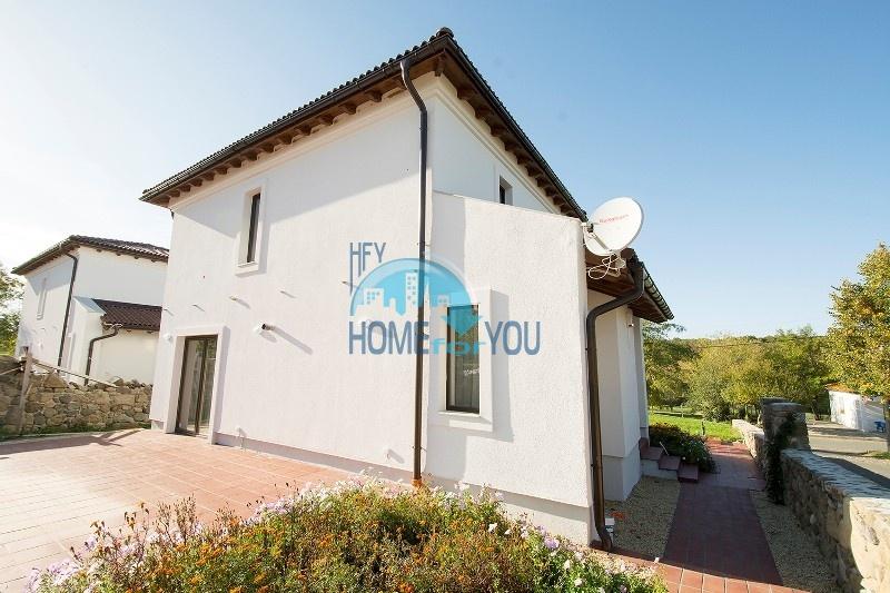 Продается отличный двухэтажный дом на южном побережье - село Велика 6