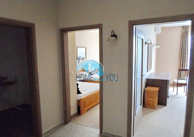 Меблированная четырехкомнатная квартира в Поморие на первой линии 7