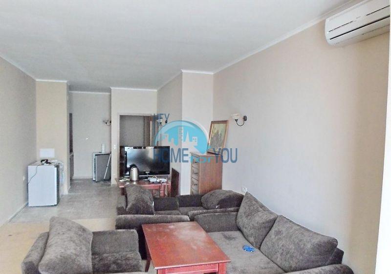 Меблированная четырехкомнатная квартира в Поморие на первой линии 9