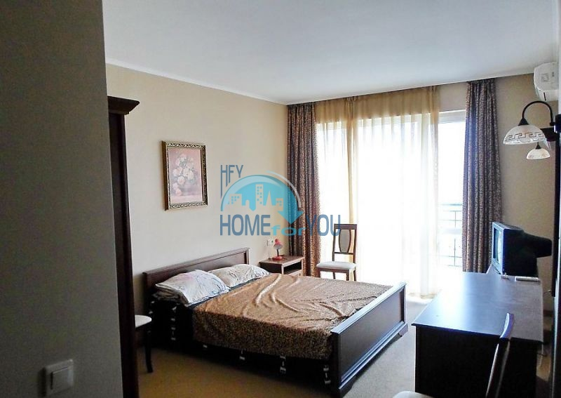 Четырехкомнатная квартира с морской панорамой в Поморие