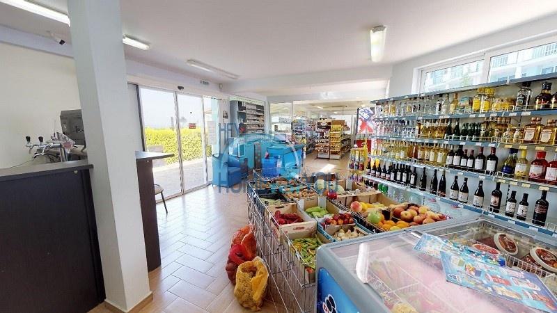 Большой магазин на продажу в Кошарице