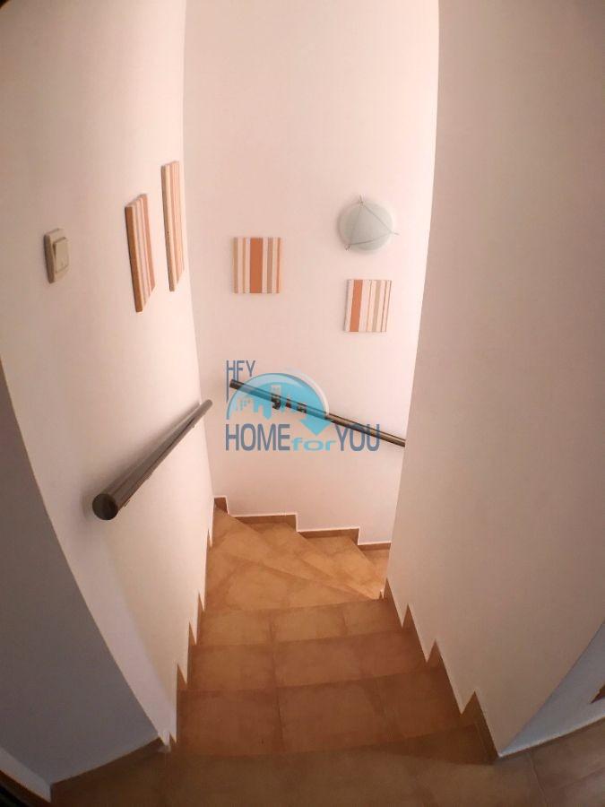 Таунхаус с тремя спальнями в хорошем комплексе в местности Кошарица 16