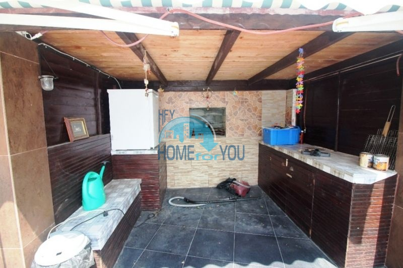 Меблированный ухоженный дом на продажу около Солнечного Берега 2