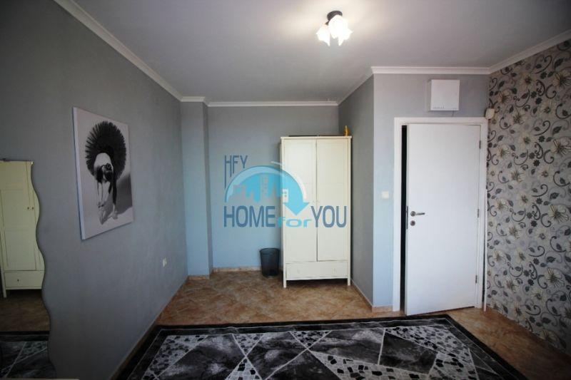 Меблированный ухоженный дом на продажу около Солнечного Берега 12