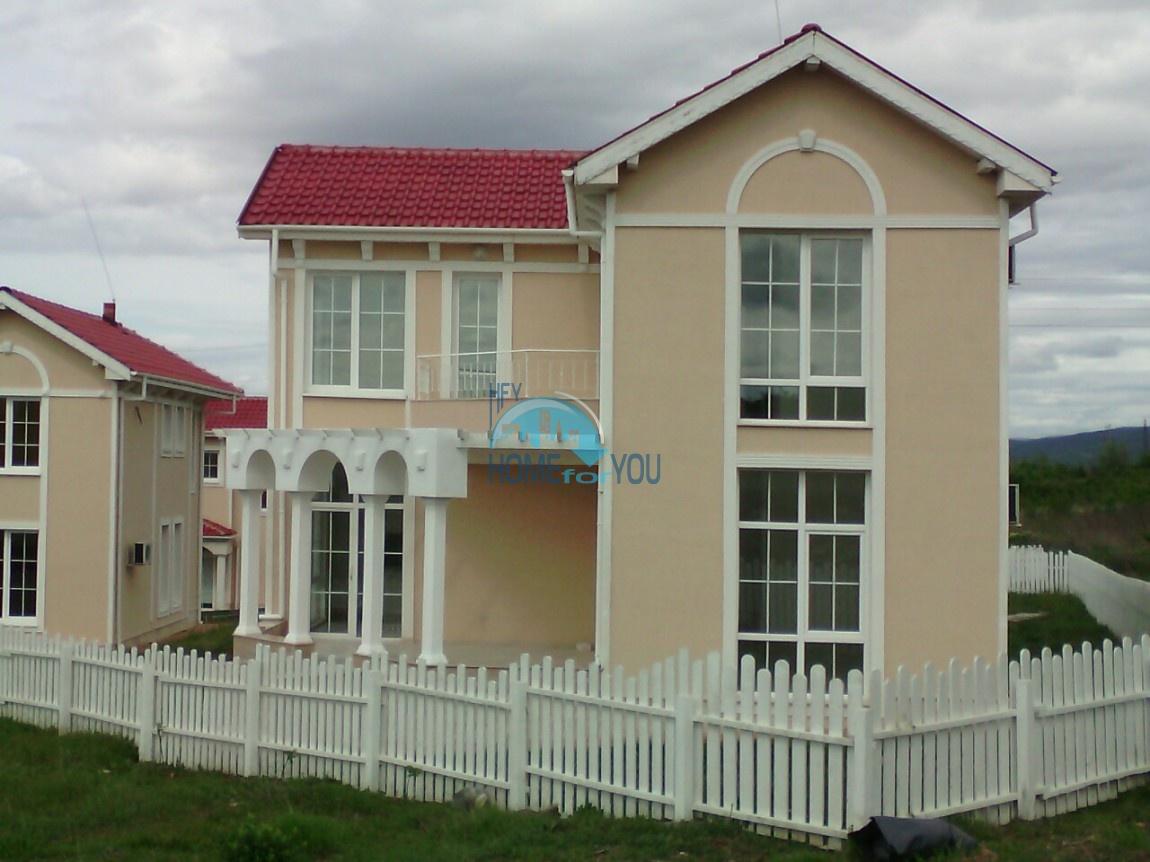 Новый отдельный капитальный дом в Кошарице