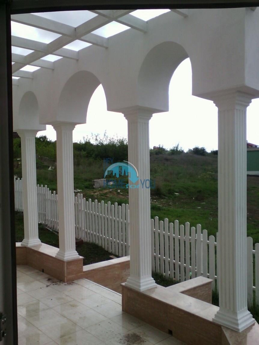 Новый отдельный капитальный дом в Кошарице 4