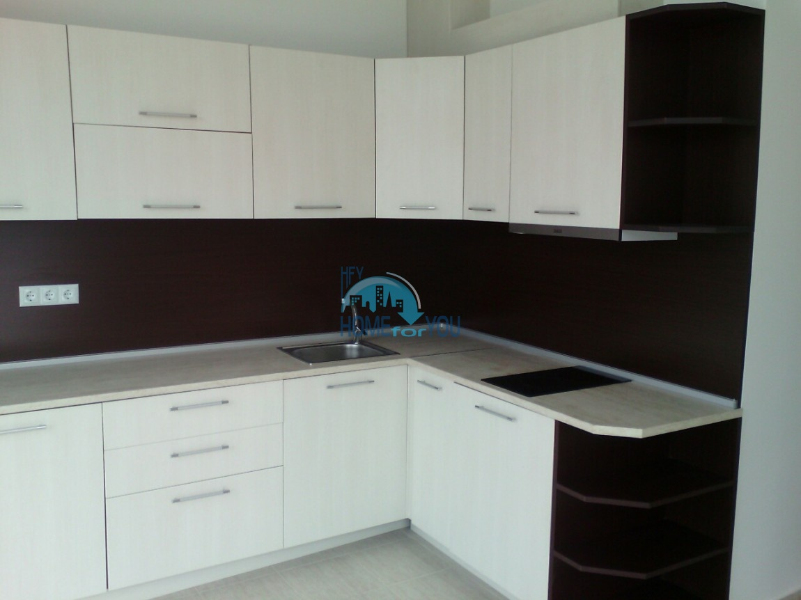 Новый отдельный капитальный дом в Кошарице 5