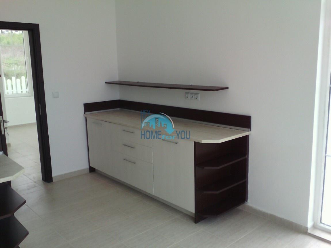 Новый отдельный капитальный дом в Кошарице 6