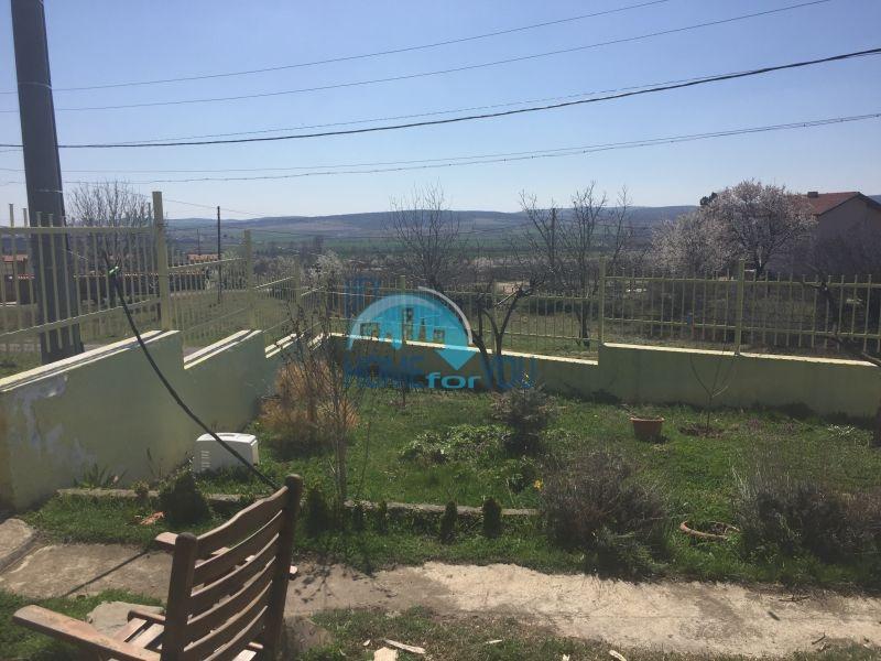 Отдельный одноэтажный жилой дом в селе Горица 4