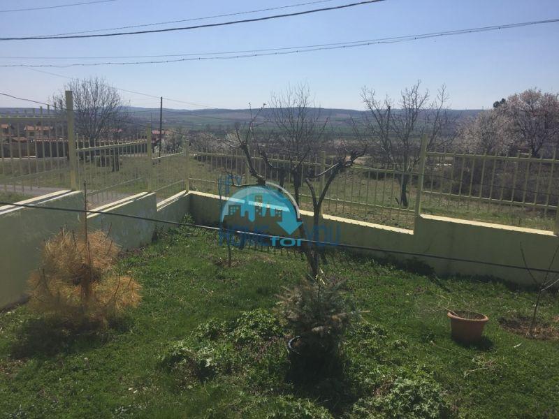 Отдельный одноэтажный жилой дом в селе Горица 5