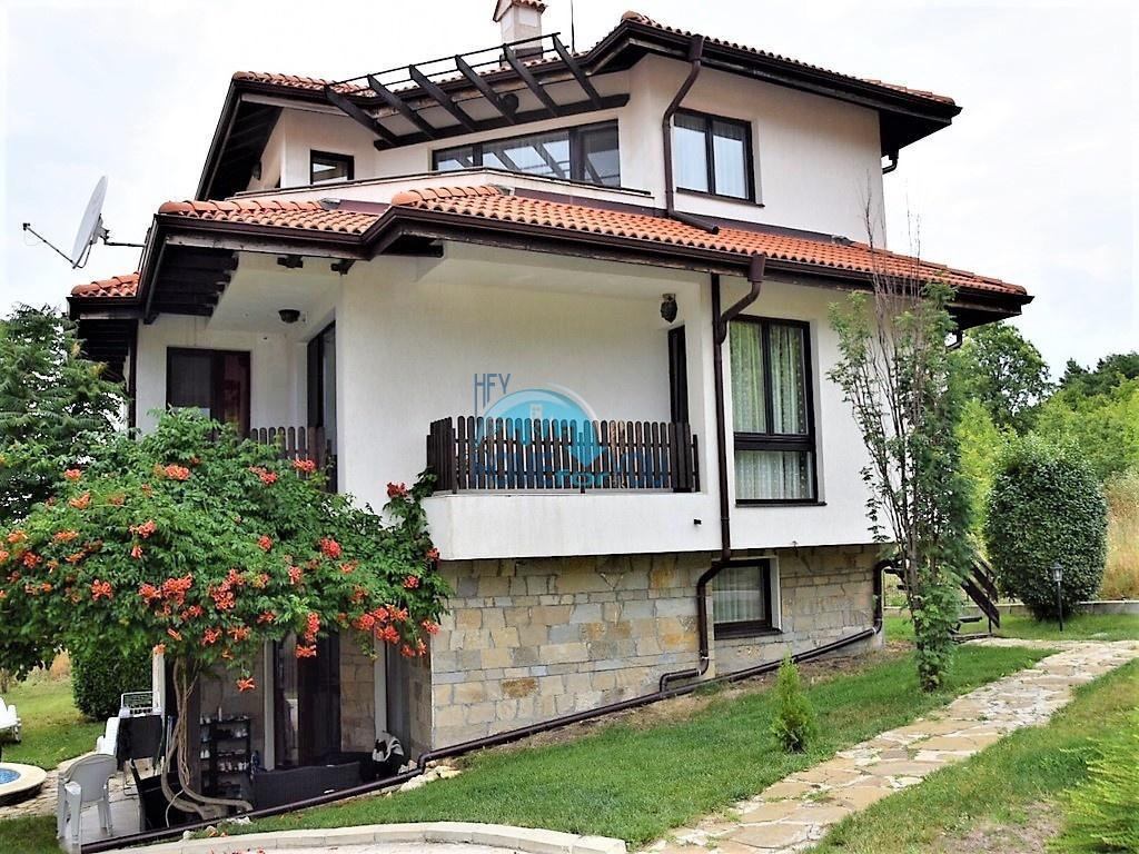 Отличная двухэтажная вилла в деревне Кошарица