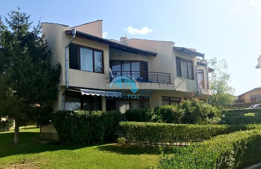 Просторная вилла в жилом комплексе рядом с курортом Солнечный берег