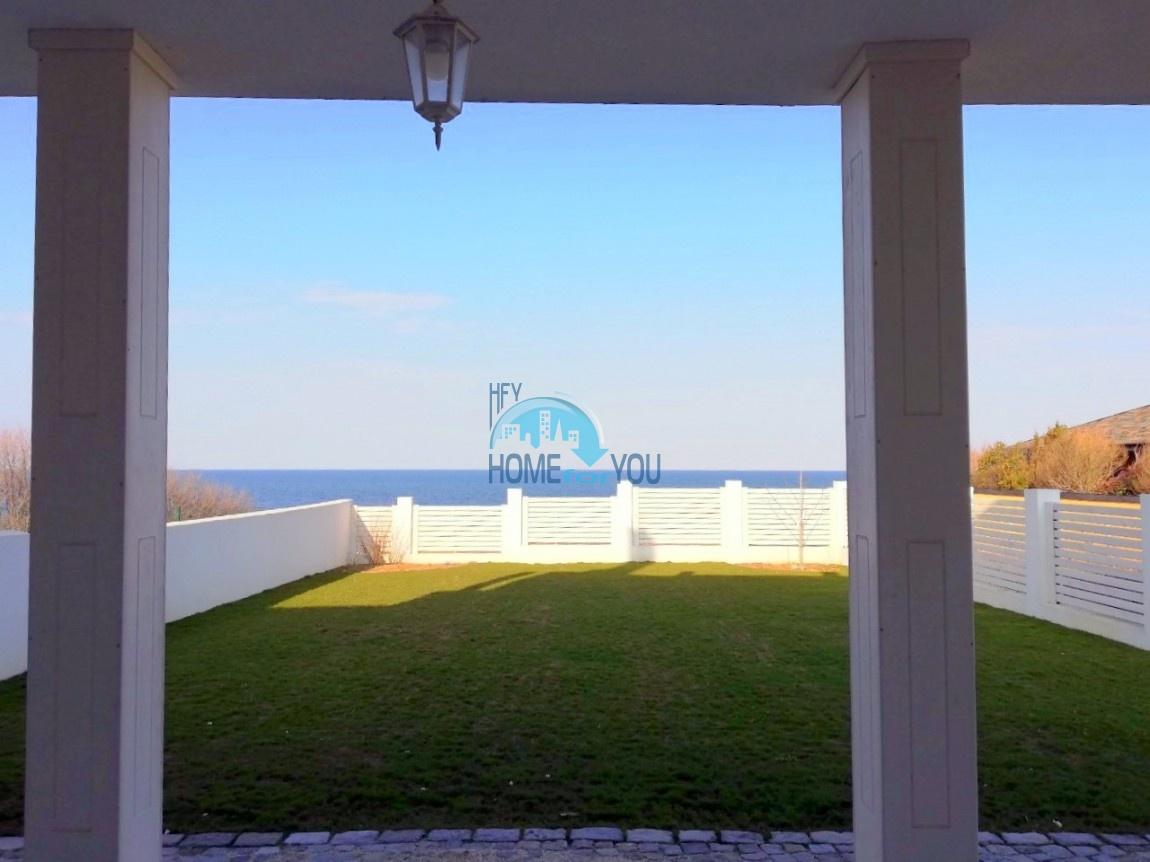 Великолепная двухэтажная вилла с  живописной морской панорамой, престижный курорт Лозенец