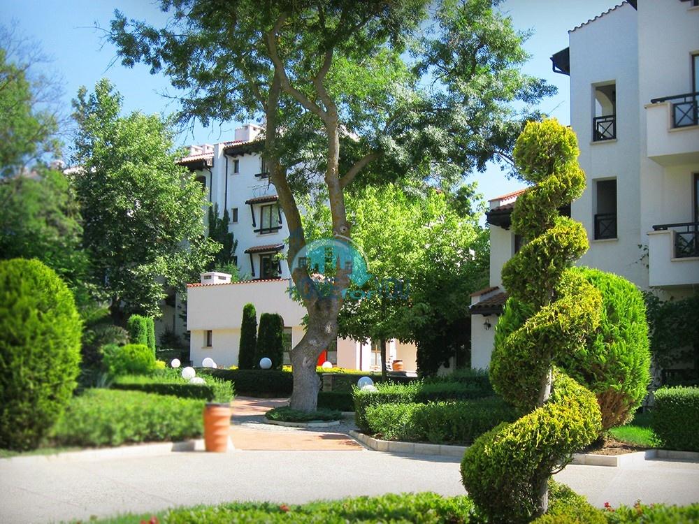 Уютная двухкомнатная квартира в респектабельном Оазис Резорт и Спа, Лозенец 24