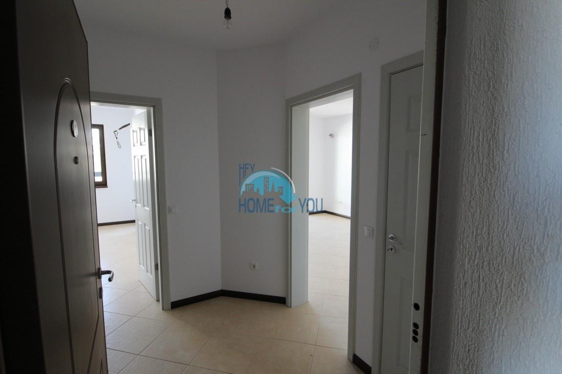 Светлая двухкомнатная квартира с прекрасным видом в роскошном комплексе Oasis Resort And Spa, Лозенец 4