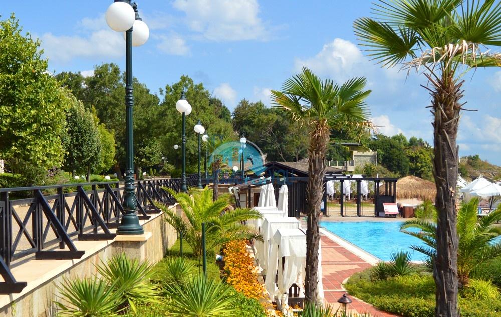 Светлая двухкомнатная квартира с прекрасным видом в роскошном комплексе Oasis Resort And Spa, Лозенец 22