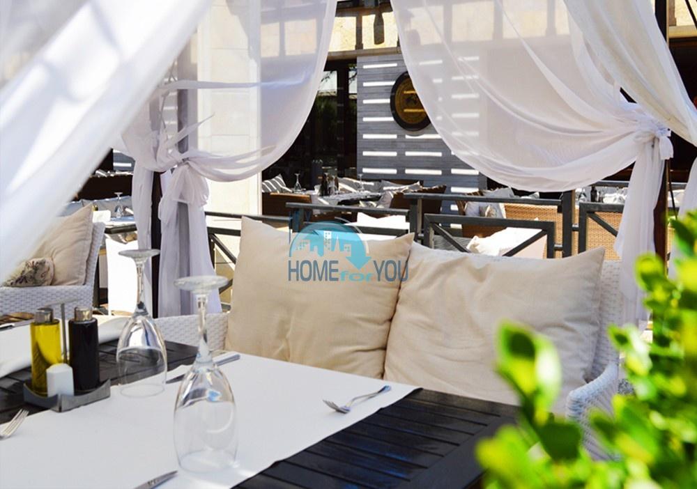 Светлая двухкомнатная квартира с прекрасным видом в роскошном комплексе Oasis Resort And Spa, Лозенец 24