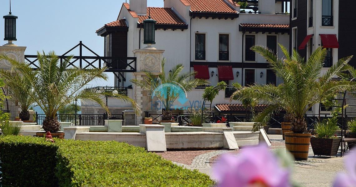 Светлая двухкомнатная квартира с прекрасным видом в роскошном комплексе Oasis Resort And Spa, Лозенец 2