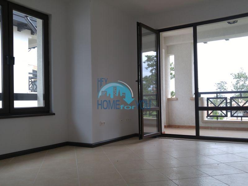 Комфортабельная двухкомнатная квартира с завораживающим видом на парк и гору в комплексе Oasis Resort & Spa