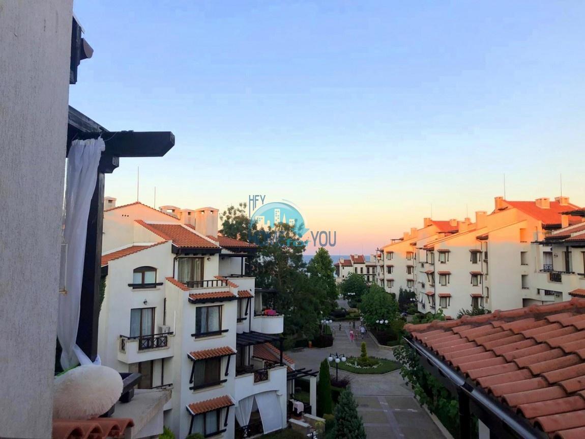 Двухкомнатный меблированный апартамент с видом на море и высоким потолком в комплексе класса люкс Oasis Resort & Spa, Лозенец