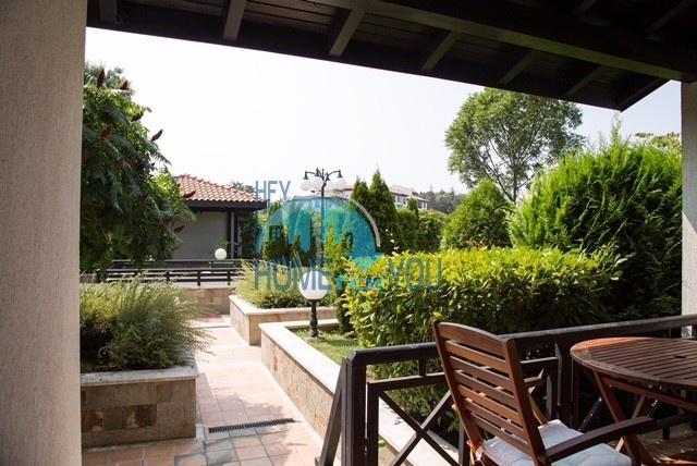Комфортабельный апартамент с террасой в прекрасном саду на первой линии моря в комплексе класса люкс Оasis Resort & Spa