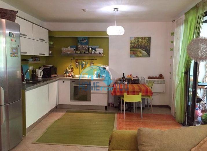 Роскошный апартамент с тремя спальнями в шикарном комплексе Оазис, Лозенец