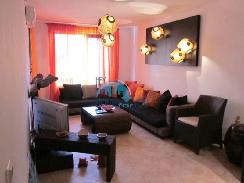 Меблированная двухкомнатная квартира в Лозенеце