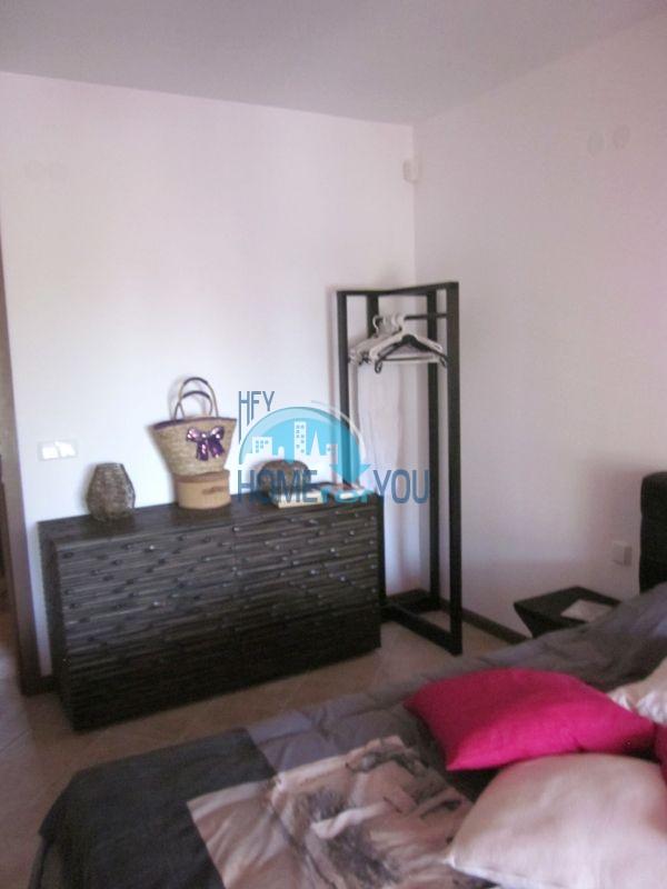 Меблированная двухкомнатная квартира в Лозенеце 3